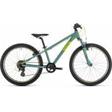 Подростковый велосипед CUBE Acid 240 2020 года. Разработан для детей ростом от 130 см. Привлечёт своим стильным дизайном и характеристиками. Алюминиевая рама, амортизационная вилка SR Suntour SF15, навесное оборудование Shimano на 7 передач, ободные тормо