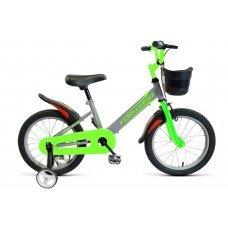 Forward Nitro — как будто игрушечный, но очень прочный детский велосипед. Крылья минимизируют попадание брызг на одежду, защита цепи не будет зажевывать штанину. А в корзинку можно положить любимого мишку, с которым так не хочется расставаться.